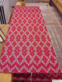 räsymatto Rag Rugs, Loom Weaving, Scandinavian Style, Woven Rug, Carpets, Pattern Design, Craft, Activities, Rug Weaves