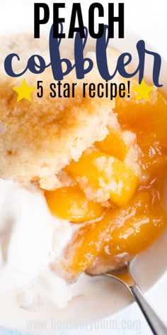 This classic southern dessert recipe is perfect! Made with fresh peaches and a crispy buttery cake like vanilla topping this cobbler recipe is possibly the BEST EVER! Good Peach Cobbler Recipe, Best Peach Cobbler, Homemade Peach Cobbler, Easy Southern Peach Cobbler Recipe, Peach Cobbler Cake, Crisp Recipe, Homemade Pie, Fruit Recipes, Baking Recipes