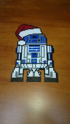 R2D2 happy christmas!! Star wars pixelart perler