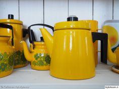 kirpputorilöytö,retro,keltainen,kirppislöytö,kahvipannu Marimekko, Mustard Yellow, Cupboard, Kitchens, Villa, Dishes, Retro, Room, Vintage