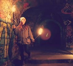 Torches allow you to emphasize the indoor climate. - Night Tour In The Paris Catacombs Best of Web Shrine Messy Nessy Chic, France Photos, Catacombs, Abandoned, Cinema, Tours, Paris, Explore, Night