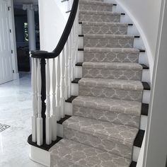 Carpet Runners And Stair Treads Foyer Staircase, Carpet Staircase, Staircase Remodel, Staircase Makeover, Staircase Design, Carpet For Stairs, Carpet Runner On Stairs, Black Staircase, Staircase Runner