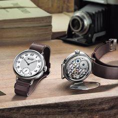 Tissot présente chaque année un modèle qui rend hommage à son riche passé horloger. En 2016, la marque remonte aux années 30 et nous propose la Tissot Heritage 1936, un imposant garde-temps de 45 mm en acier doté d'un calibre mécanique manuel qui rappelle les toutes premières montres de poigne...
