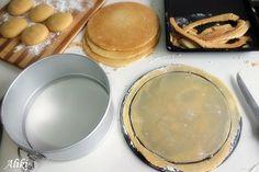 "Mamina jela: Ruski ""Medovik"" Medovik Cake Recipe, Torte Cake, Griddle Pan, Cake Recipes, Food And Drink, Sweets, Desserts, Kitchen, Blog"