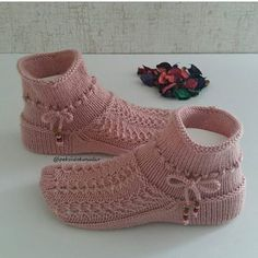 Buttoned Scarf Easy PDF Knitting Pattern Garter stitch Is not a finished product. It is a PDF Pattern with instructions - Her Crochet Loom Knitting, Knitting Socks, Free Knitting, Baby Knitting, Knitting Patterns, Crochet Shoes Pattern, Crochet Basket Pattern, Knit Basket, Crochet Ripple