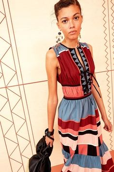 Ulla Johnson Resort 2020 Fashion Show Collection: See the complete Ulla Johnson Resort 2020 collection. Look 17 Vogue Paris, Skirt Fashion, Fashion Show, Vogue Fashion, Fashion 2020, Fashion Art, Tiered Skirts, Catwalks, Summer Trends