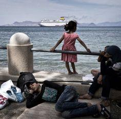 Les réfugiés qui traversent la Méditerranée rêvent d'Allemagne, de Suède ou du Royaume-Uni mais ne veulent pas venir en France, rebutés par le chômage, la bureaucratie et les squats insalubres.
