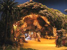 Escenografías para el Belén: abril 2013 Christmas Cave, Christmas Crib Ideas, Christmas Nativity Scene, Nativity House, Nativity Stable, Nativity Sets, Village Miniature, Fontanini Nativity, Diy Garden Fountains