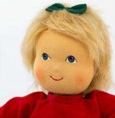 Sagt HALLO zu DIDA, unser neues Mitglied der Heidi-Hilscher-Familie bei Echtkind - http://www.echtkind.de/puppen-und-zubehoer/heidi-hilscher-puppe-dida-rotes-kleid.html