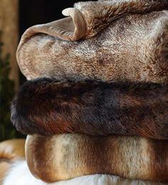Tendencia: falsa piel | Ventas en Westwing. Llevar piel es tendencia, pero lo es aún más si esta piel no daña al medio ambiente. Su acabado y textura son completamente naturales y el resultado derrocha estilo tanto en la sala de estar como en el dormitorio.