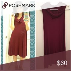 ❣️ Burgundy Sleeveless Dress ❣️ Super soft material. Worn that one time as posted in the picture. No flaws at all. In perfect condition. Selling the hat with it. Great fall look 💋 Dresses Midi