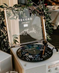 Now THIS 😍 this is a guest book we can get on board with ⚡️ ⠀⠀⠀⠀ ⠀⠀⠀⠀⠀ As seen on @weddingchicks Photography: @jessie.schultz…