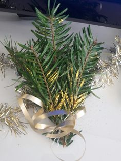 Christmas decoration. To put on your tv stand or on your sideboard in your home's entrence. You can also display it on the wall or hang it on the windows.