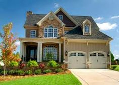 Home Interior and Exterior Design: Exterior Home Pictures. Love this exterior Style At Home, Home Interior, Interior And Exterior, Exterior Homes, Interior Decorating, Future House, Foreclosed Homes For Sale, Home Pictures, Home Fashion