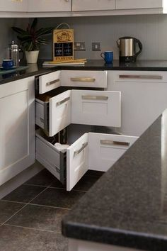 I HATE lazy Susan's, this is such a better idea for accessibility! Small Kitchen Organizing Ideas - Corner Drawers - Click Pic for 42 DIY Kitchen Organization Ideas & Tips Corner Drawers, Corner Cupboard, Kitchen Corner, Corner Cabinets, Corner Storage, Corner Shelves, Smart Storage, Lazy Susan Corner Cabinet, Corner Door