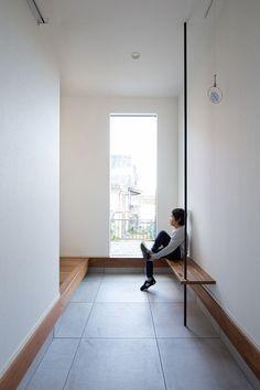 クラシスホームで建てられた家の画像(お客様インタビューのイメージ) Japanese Interior Design, Japanese Home Decor, Japanese House, Interior Staircase, Interior Architecture, House Entrance, Future House, Ideal Home, Home Goods