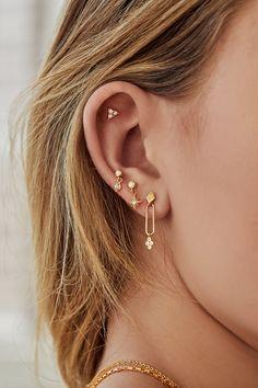 Daith Piercing, Ear Peircings, Tragus, Double Piercing, Ear Piercings Chart, Body Piercings, Bar Stud Earrings, Gold Hoop Earrings, Crystal Earrings