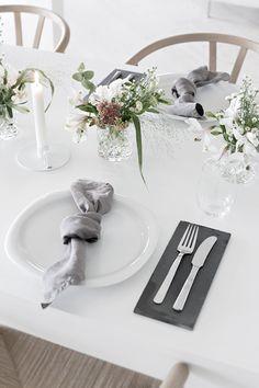 Understated festive table setting ideas | Stylizimo