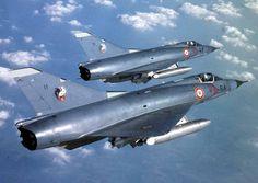 """Mirage III C"" n°31 (10-RF) et 11 (10-RA) Bleu ''Défense Aérienne'' du 2.10 ''Seine''"
