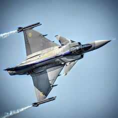 Airplane Fighter, Fighter Aircraft, Fighter Jets, Saab Jas 39 Gripen, British Airline, Swedish Air Force, Jet Air, Delta Wing, Black Hawk