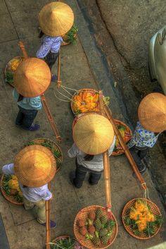 Вьетнамские торговцы #tuanlinhtravel #виза #вьетнам www.vietnam-visa-service.com/Russian/