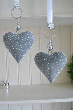 Window decoration - window decoration heart gray-white, 15 cm country house, pearl - a design . Window decorations – window decoration heart gray-white, 15 cm country house, pearl – a unique Christmas Sewing, Christmas Crafts, Sewing Crafts, Sewing Projects, Diy And Crafts, Arts And Crafts, Fabric Hearts, Lavender Bags, I Love Heart