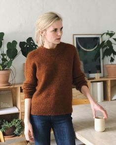 Oslo Sweater – Knitting patterns, knitting designs, knitting for beginners. Oslo, Oversize Look, Jumper Knitting Pattern, Knit In The Round, Holiday Sweater, Work Tops, Stockinette, Knitting For Beginners, Knitting Designs