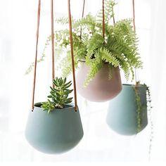 Ceramic Flower Pots, Ceramic Planters, Planter Pots, Hanging Flower Baskets, Hanging Planters, Planting Succulents, Planting Flowers, Plant Decor, Plant Wall