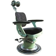 Dentist's Chair at The Mintlist - Think this might creep me out!