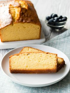 Easy Homemade Pound Cake This is the BEST PoundCake! It's an easy homemade pound cake recipe you'll love. You won't believe how simple this pound cake loaf is to make. There's one secret ingredient to make it rich and moist. Get the recipe on The Worktop. Homemade Pound Cake, Easy Pound Cake, Pound Cake Recipes, Easy Cake Recipes, Brunch Recipes, Bread Recipes, Sweet Recipes, Breakfast Recipes, Pond Cake