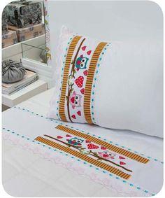 toalhas-corujinhas-coloridas e roupa de cama de coruja em ponto cruz com graficos