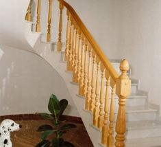 barandillas-de-madera-torneada-D15 Wood Railings For Stairs, Stair Railing, Home Door Design, Doors, Diy, House, Home Decor, Natural, Bricolage