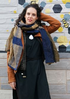winter style: how to wear a necklace with a scarf casual dresses, casual dresses for winter, casual dresses for teens, casual dresses for fall, casual dresses for school Dresses For Teens, Casual Dresses, Casual Outfits, Scarf Outfits, How To Wear Hijab, How To Wear Scarves, How To Wear Blazers, Scarf Dress, Street Style
