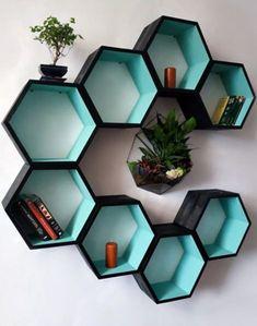 Cardboard Furniture, Cardboard Crafts, Diy Furniture, Honeycomb Shelves, Hexagon Shelves, Wall Shelf Decor, Wall Shelves Design, Deco Originale, Home Room Design