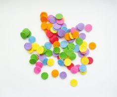 Felt confetti: 100 1/2 inch circles