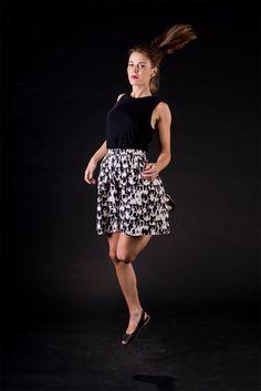 BORDER COLLIE, schwarz / weiß, taillierter Minirock, Gummizug im Rückteil, Einheitsgröße, Baumwolle