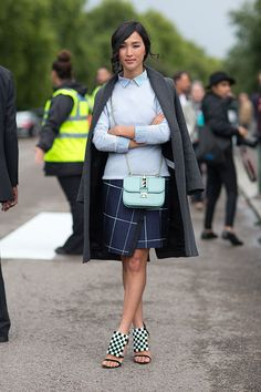 Street Style: London Fashion Week Street Spring 2014 - Nicole Warne with Valentino bag