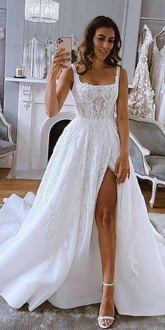 Cute Wedding Dress, Best Wedding Dresses, Unique Wedding Gowns, Lace Wedding Gowns, Fishtail Wedding Dresses, Wedding Ideas, Simple Bridal Dresses, Rustic Wedding, White Wedding Dresses