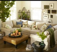 Having small living room can be one of all your problem about decoration home. To solve that, you will create the illusion of a larger space and painting your small living room with bright colors c… Beautiful Living Rooms, Small Living Rooms, My Living Room, Living Room Interior, Home Interior Design, Home And Living, Living Room Designs, Living Room Furniture, Living Room Decor