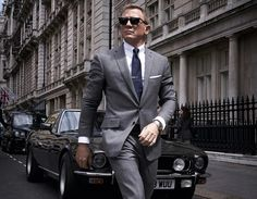 James Bond reports to duty at Super Bowl 2020 for No Time To Die James Bond Style, New James Bond, Daniel Craig Spectre, James Bond Actors, Pokemon, Scarlett, Ralph Fiennes, Pierce Brosnan, Roger Moore