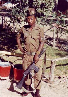 203 Battalion soldier. South African / Rhodesian Bush War. Army Day, Unknown Soldier, Brothers In Arms, Defence Force, Ol Days, Cold War, Military History, South Africa, African