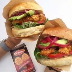 Verdens bedste burgerboller | Mummum Dessert Bread, Salmon Burgers, Foodies, Sandwiches, Food Porn, Chicken, Ethnic Recipes, Desserts, Drinks