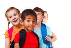 O sucesso nos primeiros anos de escola prediz o sucesso escolar a longo prazo Rimm-Kaufman & Pianta, 2000 A entrada de um filho para o 1º ano do 1º ciclo, é um momento muito importante na vida ...