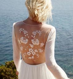 Robe de mariée 2016 : la robe de mariée dos nu en dentelle d'Elise Hameau