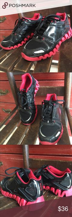 Reebok ZigTech Sneakers Black and red Reebock ZigTech shoes. Boys size 5.5, which is equivalent to 7.5 or so in women's. EXCELLENT condition! Reebok Shoes Athletic Shoes