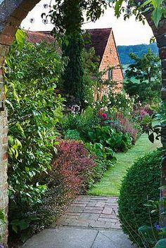 photos of english hampshire gardens | English Country Cottage, Rosemary Alexander's Hampshire Garden