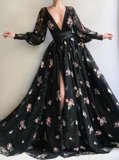 tulle fabric V-neck Black part dress Handmade embroidery field flowers prom dress long sleeves A-line Evening dress