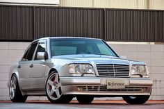 Mercedes-Benz W124 E500 from Japan