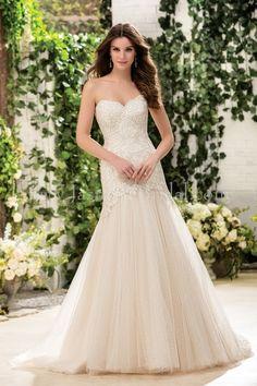 Jasmine Bridal Dress http://thedressmatters.com/blog/jasmine-bridal-fall-2016-collection