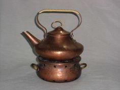 Alter Wasserkessel Teekessel mit Stövchen aus Kupfer